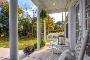 13912A Manor Road Phoenix MD-large-007-36-Front Porch-1500x1000-72dpi