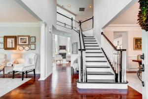 13912A Manor Road Phoenix MD-large-008-26-Foyer-1500x1000-72dpi