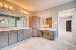 120A Midhurst Road Baltimore-large-019-10-2nd Floor Master Bathroom-1500x1000-72dpi