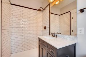 120A Midhurst Road Baltimore-large-031-23-2nd Floor Bathroom-1499x1000-72dpi