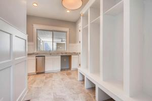 120A Midhurst Road Baltimore-large-041-38-Mudroom-1500x1000-72dpi